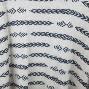 H&M Sweaters - H & M Cream & Black Print Knit Sweater Size XL